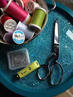 DIY Glitter Tray - Fun with Resin and Glitter