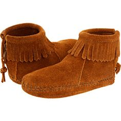 Jordy has these identical moccasins ... fashion for kids - Minnetonka boots #kids #style #shoes #fashion #girls #moccasins My girls love these