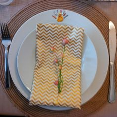 Adorable Thanksgiving place setting from @Porfiria Gomez! #turkeytablescapes