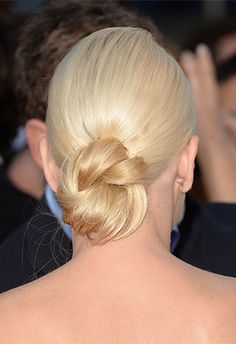 Anna Faris's knotted bun | Brides.com wedding hairstyles, celebrity weddings