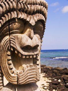 Hawaii, Big Island, Puuhonua O Honaunau, City of Refuge, Close-up of Kii