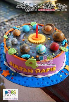 Solar System & Planet Cake for Rafie - Maki Cakes by *Yulia*, via Flickr