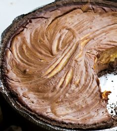 Vegan chocolate peanut butter pie