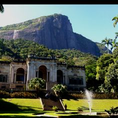 Parque Lage - Rio de Janeiro, Brazil. A place to go and have a great breakfast and gorgeous view.