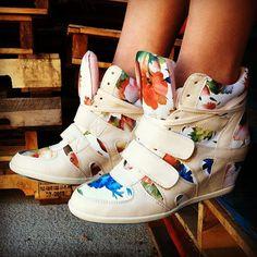 Flower bomb. #gojane #floral #sneaker #wedge #sneakerwedge #style #sneakerhead #spring #flower @Shelby Loren