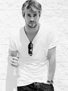 Chris Hemsworth, sexy.