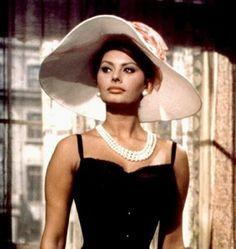 hats, sophia loren, floppi hat, classic beauti, celeb pearl
