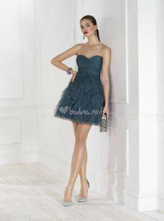 Vestido azul de Fara Sposa - http://www.bodas.net/cat-DressList.php?tipo=2&Disenador=152