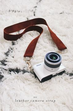 diy leather camera strap http://www.almostmakesperfect.com/2013/09/03/diy-leather-camera-strap/