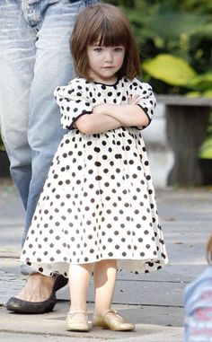 love the hair, love the dress, loves the shoes.. love suri!