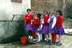 A website that shows pictures of kids going to school from around the world. This might be good to go along with EngageNy ELA Module 1 for third grade. Site is in Dutch, but can be translated to English in Chrome.