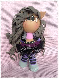 BONECA EM EVA 3D R$ 40,00