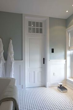 Spa like palette, window vent above the door