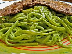 My absolute favorite Peruvian dish... Tallarines Verdes, known at our home as Green Spaghetti