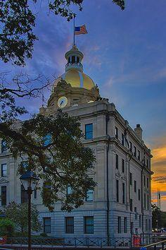 Colorful Savannah http://www.travelandtransitions.com/destinations/destination-advice/north-america/