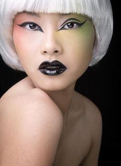 striking makeup