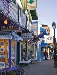 Specialty shops and galleries line the streets of Bar Harbor, tempting you with everything from handcrafted Maine items like tourmaline jewelry, maple syrup, and the works of local artists to must-have imports.
