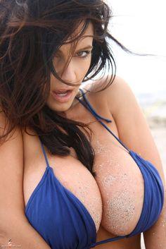 TAG: boobs tits breast tit boob chest nipple bust uber cleavage boobies boob, model, girl, sexi, busti, hot, beauti, bikini, denis milani