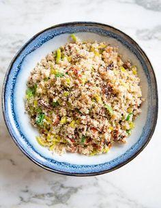 "Cauliflower ""couscous"" with leeks and sun-dried tomatoes #5ingredients #vegan #vegetarian #blomkaal #purre #soltoerka #tomatar #garlic #kvitloek #salat #salad #warm #hot #varm"