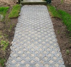 Wood chip permeable pavers