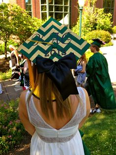 Decorated graduation cap. University of Oregon. Kappa Alpha Theta 2013 :) #bow (mortar board)