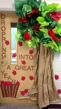 classroom-doors1015 classroom door ideas, appl theme, preschool door ideas, creative school doors, door design, bulletin board, back to school door ideas, apple treats, back to school door decoration