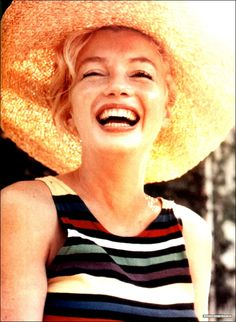 Marylin with straw hat