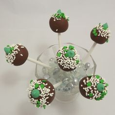 Shamrock cake pops, What a great idea for a St Patrick Day's gift!  Scrumptious!!! shamrock cake, cake pops, gift idea