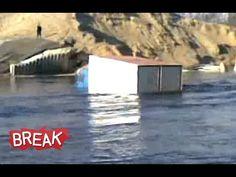 ▶ Russian Truck Drives Through Lake - http://blog.livedoor.jp/zzcj/archives/51817542.html