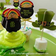 Pot O' Gold Cupcake Picks- yes, they're printable!