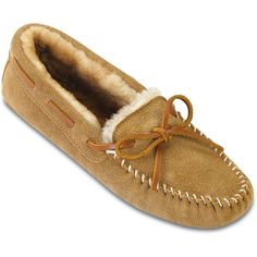 Minnetonka Women's Sheepskin Softsole Moccasin Style #: 3411 Suede Sole Cushioned Insole | #TheShoeMart #CozyToes