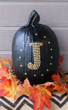 Pumpkin Pizazz: No-Carve Pumpkin Decorating   http://jillianastasia.com/no-carve-pumpkin-decorating/