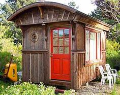 photo by Lloyd Kahn - he's working on a book about tiny houses!!