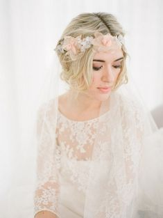 20 Floral Bridal Crowns & Flower Wreaths {Trendy Tuesday} | Confetti Daydreams - Demure peach and white floral crown headpiece  ♥  ♥  ♥ LIKE US ON FB: www.facebook.com/confettidaydreams  ♥  ♥  ♥ #Wedding #FlowerCrowns #FlowerWreaths