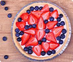 Light Summer Berry Yogurt Pie (healthy and just 5 ingredients)