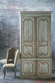 #Paint #distressed #shabby #chic painted furniture http://www.mycraftkingdom.com