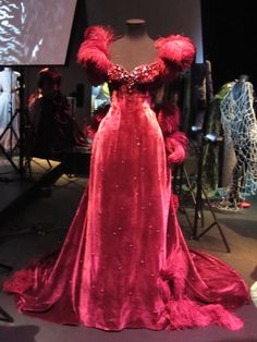 dresses from gone with the wind | . Above: Gone With the Wind, Vivien Leigh – the harlot dress ...