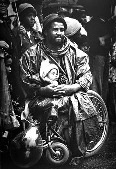 Vietnam veteran watching the Chattanooga Armed Forces Day parade in 1976.  This photograph won a Pulitzer Prize.