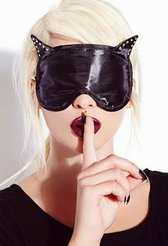 """Catwoman Claws Her Way Into The Forever 21 """"Bats & Cats"""" Collection"""