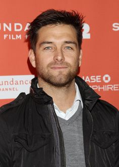 Antony Starr. Banshee is awesome!