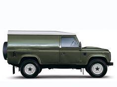 Land Rover Defender 110 Hard Top (2007).
