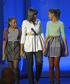 OUR FIRST LADY MICHELLE OBAMA AND FIRST DAUGHTERS!!