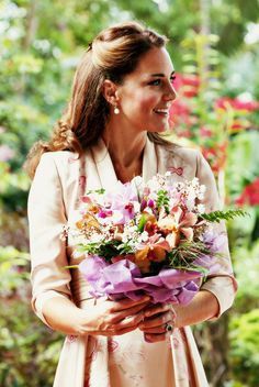 duchess of cambridge, fashion, the duchess, royal, pink ladies, flower prints, kate middleton, princess kate, botanical gardens