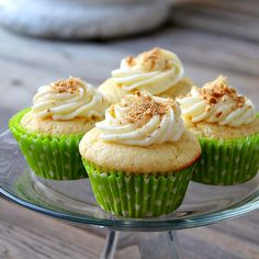 key lime, cupcakes, cupcake recipes, keys, limes, lime cupcak, buttercream frosting, graham cracker, cream cheese frosting