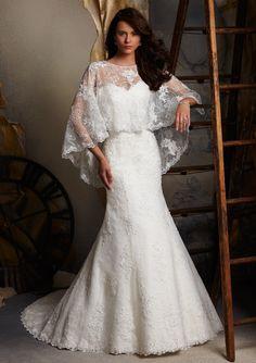 Venice Lace Appliques On Elegant Lace Wedding Dresses(HM0146)