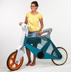 Peleg a recycled plastic bicycle.
