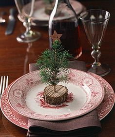 Love this for a holiday table decoration