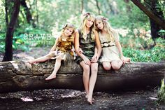 Sweet! I love woodland fairies and this is a wicked awesome theme for a photo session (again from Andee Tait showcasing her gorgeous style)
