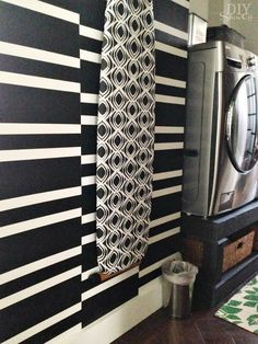 EPIC Black & White BOLD wall treatment idea from  diyshowoff.com