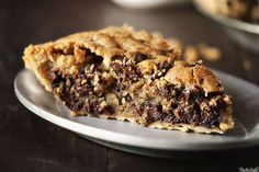 tuscaloosa tollhouse pie (basically a giant chocolate chip cookie pie)